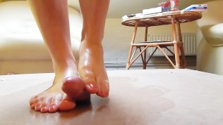 Camsex99-Booty-Dance Cock Crush Dancing With Sexy Barefeet Red Toenails And Cumshot