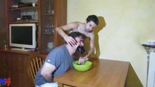 Extreme pissing from master to slave
