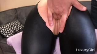 Roundworm pass through anus
