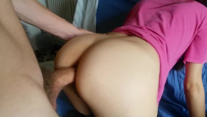 Girlfriend gives anal doggy fuck on couch