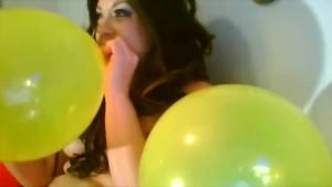 Delicia D'Anjelo's Sexy Nakid Balloon Poppin Clip