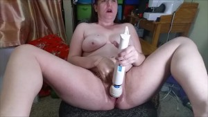 Gravity Bong Hit, Glove play and squirting