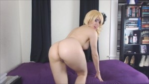 Blonde Tease Knows You Sniff Her Panties