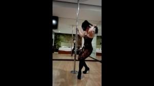 HOT POLE DANCE - DIANA CU DE MELANCIA