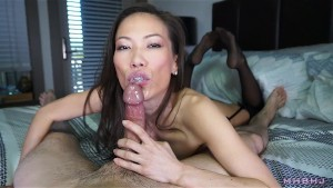 Sexy asian cocksucker works up a fat load
