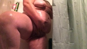 SHOWER TIME WITH SEXY PREGNANT TATTOOED BBW