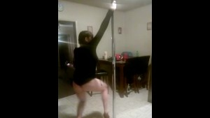 Stripper dancing for you in her kitchen sexy tattooed Brunette