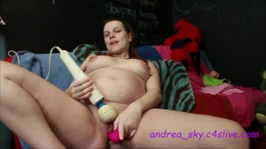 Using a toy on my pregnant pussy- andrea sky