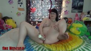 Horny MILF Slut Fucks New Toy