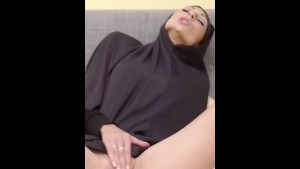 Muslim pussy girl awesome masturbating