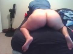 Big booty latina twerks