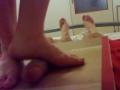 Amaterur POV - Barefeet cockbox footjob