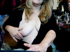 Queenmilf .I get drunk and suck my boyfriends cock 6-3-16 pt1