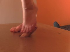 Barefoot, sneakers cock crush with cumshot