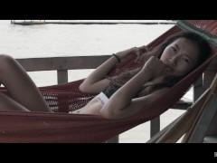 Surprise Dans La Douche | The Sex Diaries 01