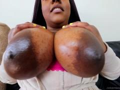 TinderFuck - Bubble Butt Ebony Throws It Back Non-Stop!