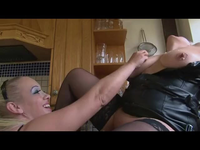 Sookie blues eats banana out a mature gilf pussy and smears it all on her 5