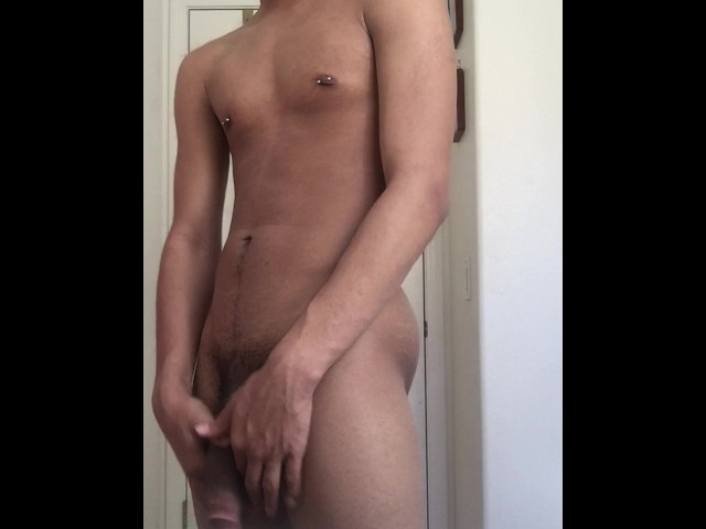 Sexy Blue Eyed 18 Year Old Twink Shoots Load