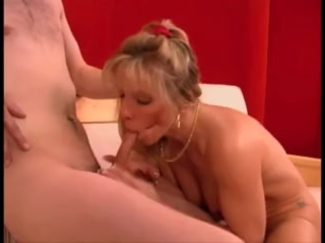 Mature Blonde Fucks a 10 Inch Boy - Free Porn Videos - Cliporno