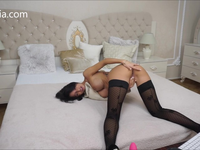 Anisyia Livejasmin Huge Toy Pussy Destruction Screaming Orgasm Ass to Mouth