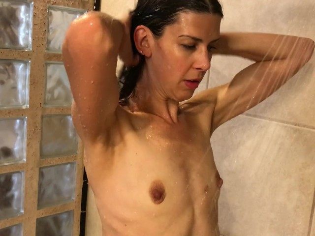 Public Blowjob in Hotel Hot Tub and Then Fucking in the Shower With Facial