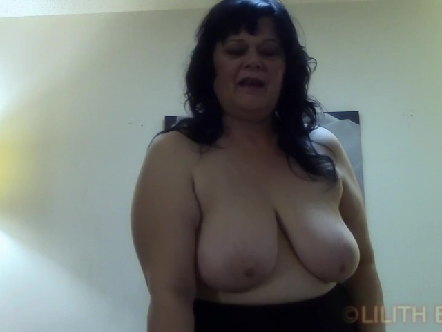 Horny Cougar Wants to Fuck