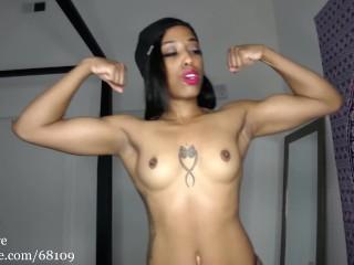 I know you wanna cum on my biceps