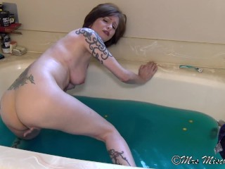Bathtub Sex Talk with Stepmom – Mrs Mischief taboo mom pov