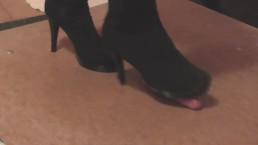 Black high boots cockcrush...