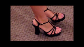 Cammy shows you her sexy Feet & Toes, in Mesh Lingerie