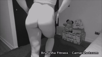 Doggystyle fitness bitch shaking ass - Opening ass and pussy