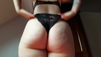 Big Round goth Bubble Butt chick with tattoos does a horny Wedgie