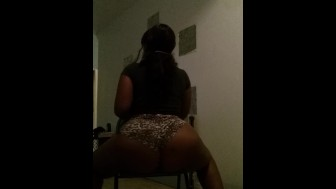 Sexy chocolate Bbw smoking and twerking big juicy booty
