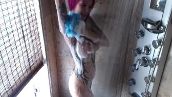 Steamy Shower With Anna Bell Peaks