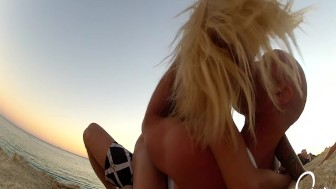 Public Beach Sex! Johnny Sins and Kissa Sins