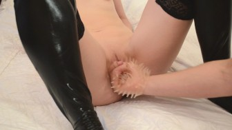 Fingering pussy to orgasm ( massage pussy with a toy)