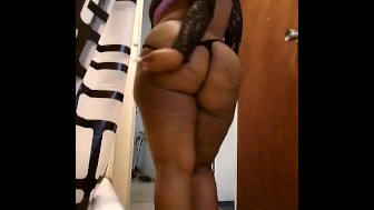 Chocolate bbw jiggling in thong