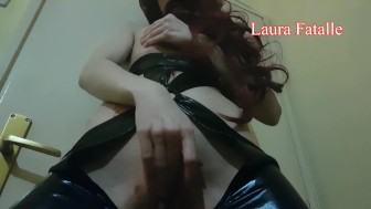 EXTREME HUGE SQUIRTING LATEX SLUT-Laura Fatalle