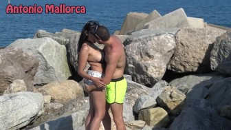 HOT BRUNETTE SUCKS MY DICK ON THE BEACH
