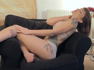 Adreena Winters fucking herself with a glass dildo