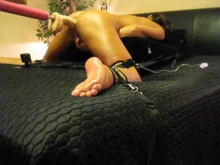 mom WIFE ORGASMS AND SQUIRTS WHILE MASTURBATING AND FUCKING MACHINE