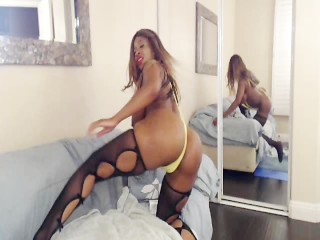 Busty Booty NylaStorm Bounces Her Big Butt While Fucking Her Toys on Webcam
