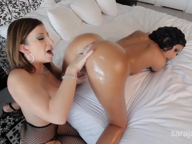 Lesbian Squirt Anal Fisting