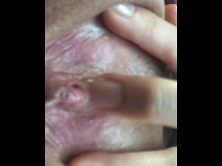 Riley Reid masturbates while driving home from work