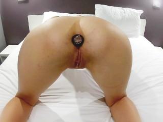 Amateur couple fucks in hotel room