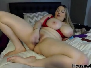 Great celebrity Cassandra Calogera with fantastic tits rides on a toy