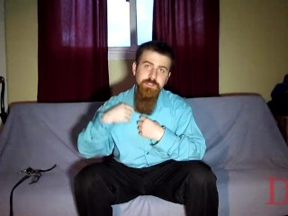 Thedudewhosadude cums in his beard and plays with his feet
