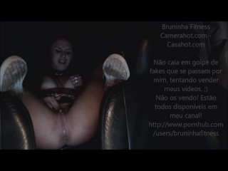 Brazilian girl masturbates inside car – Public Exhibitionism at parking lot