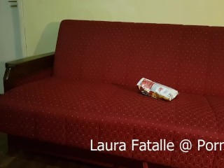 Step Sister Got2Pee while watching TV – Laura Fatalle (60fps)