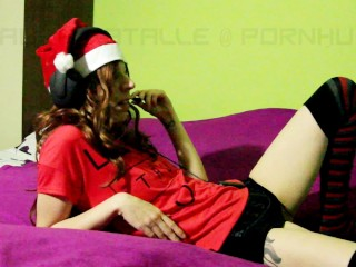 Step sister caught masturbating on skype with Santa Clause - Laura Fatalle